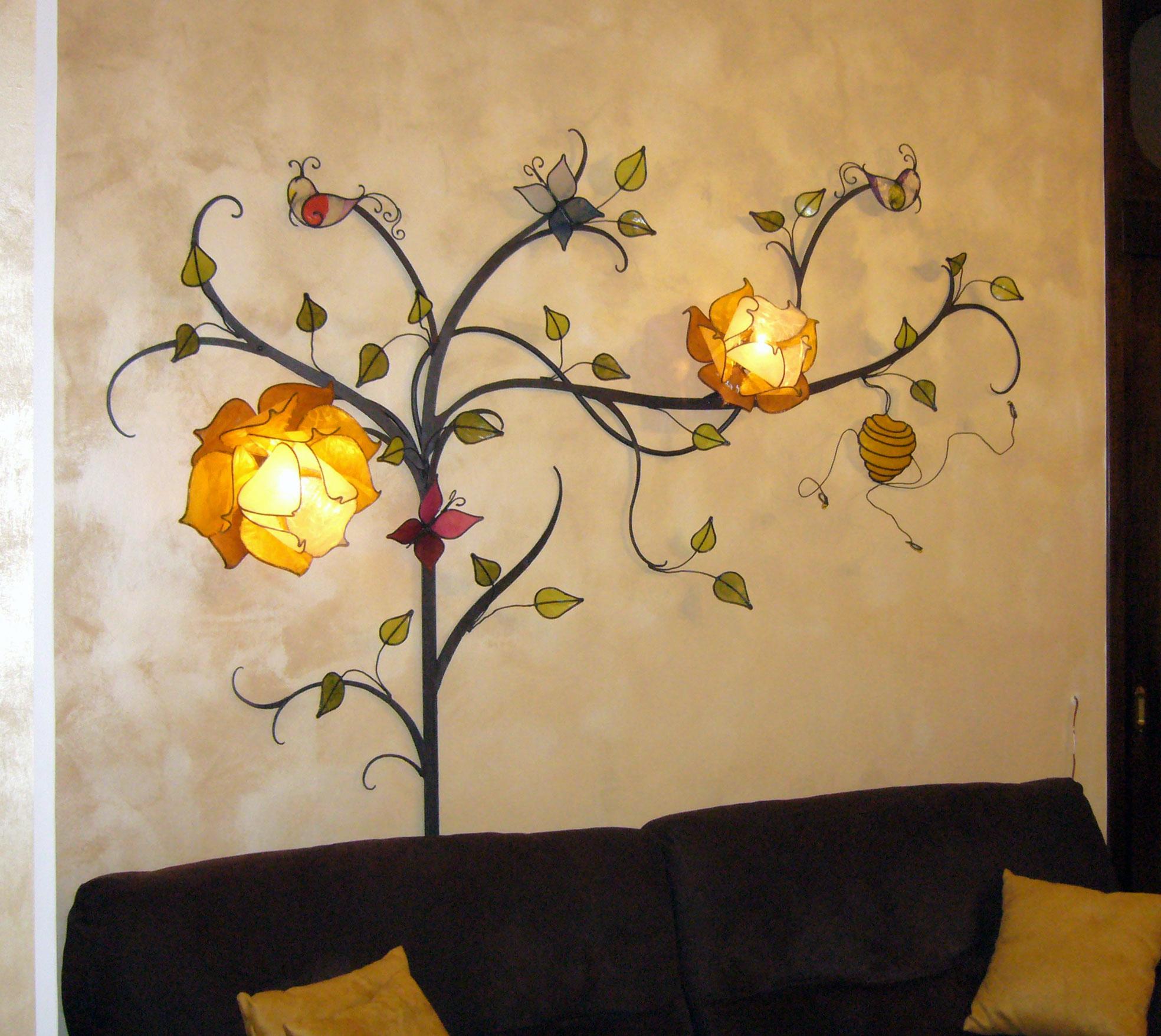 Albero con fiori di loto lampada da parete lampadani for Albero con fiori blu