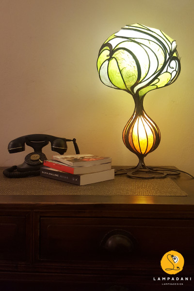 tree-shaped table lamp