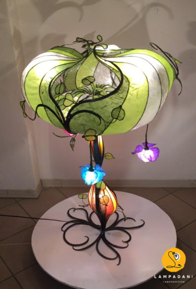 tree table lamp, upper view