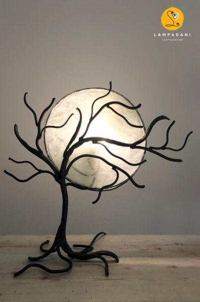 lampada da tavolo a forma di albero